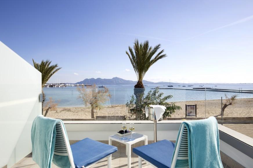 La Goleta Hotel de Mar invites you to a dinner and a stay!